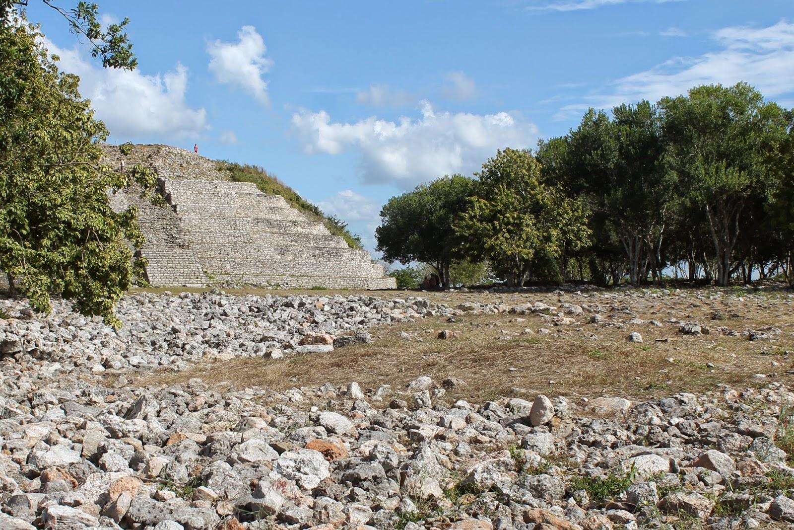 piramidi maya izamal messico