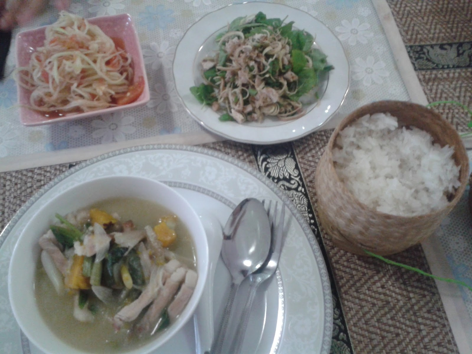 pasto cucinato laos