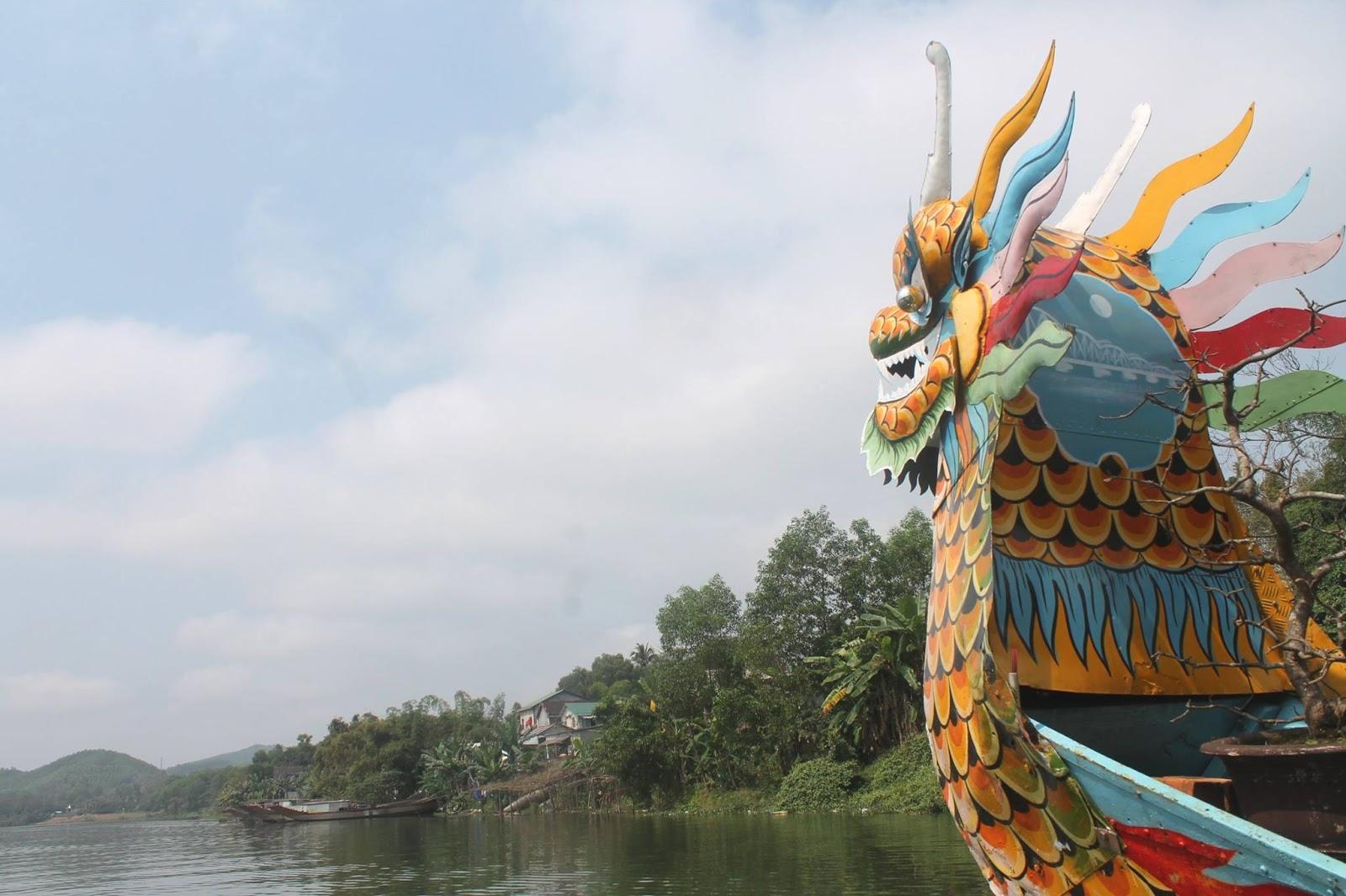 fiume dei profumi hue vietnam