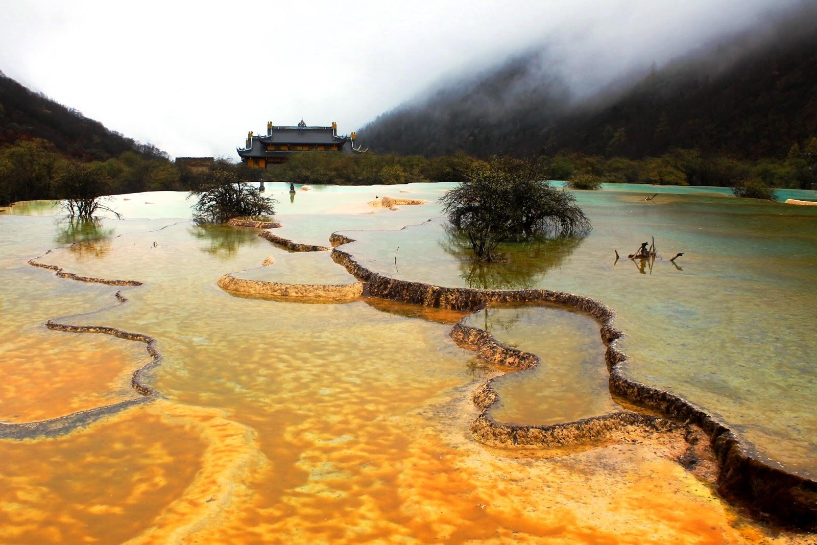 parco nazionale huanglong sichuan cina