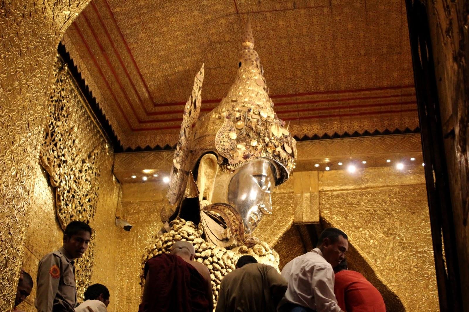 buddha mahamuni paya mandalay myanmar