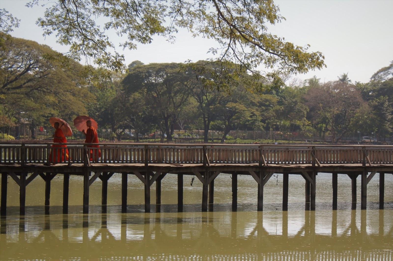 lago kandawgyi yangon myanmar