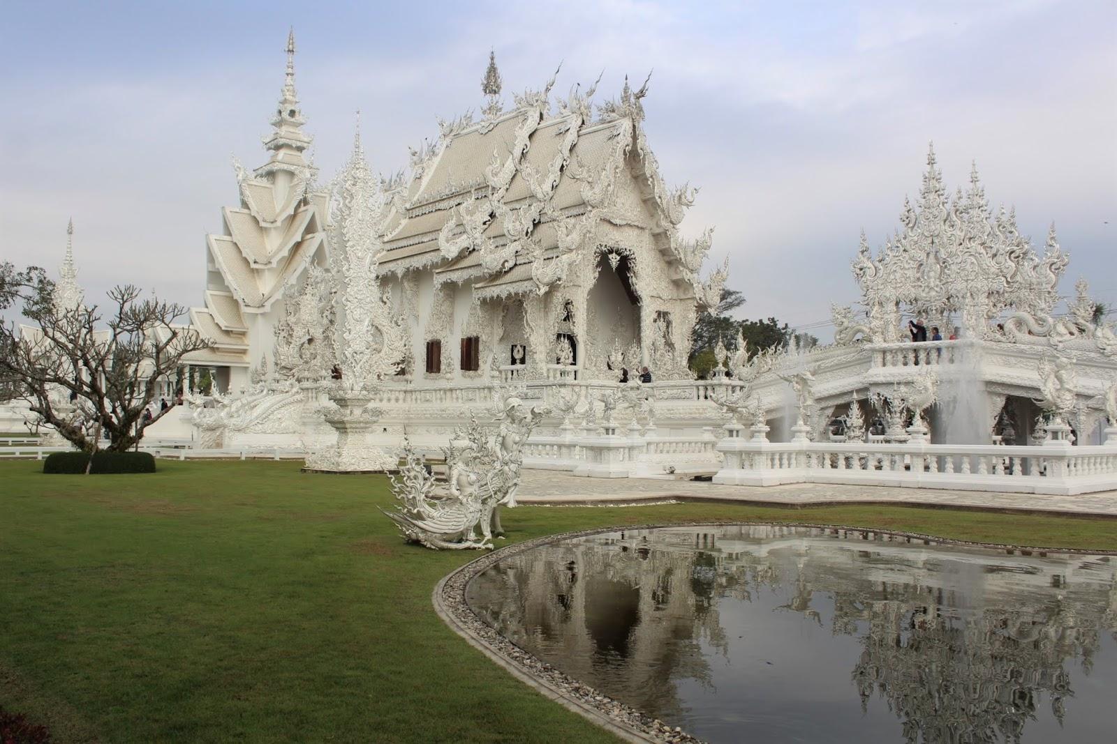 tempio bianco chiang rai thailandia