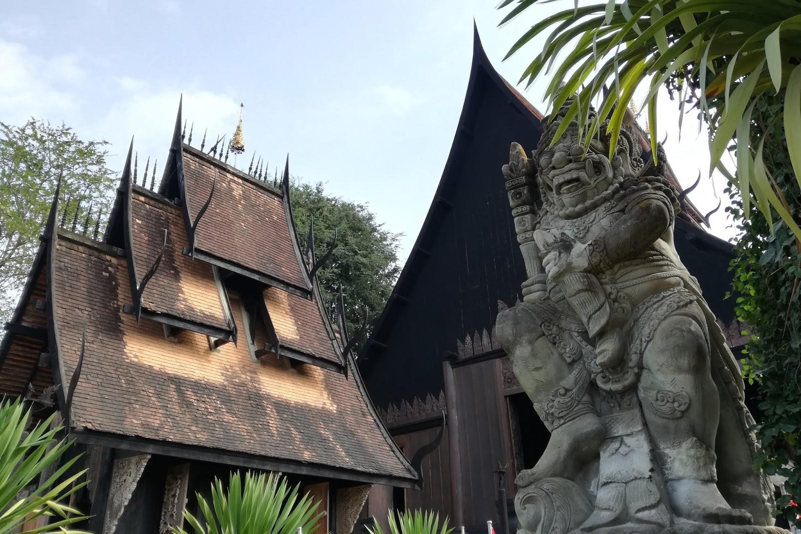 Casa nera - Visitare Chiang Rai, Thailandia