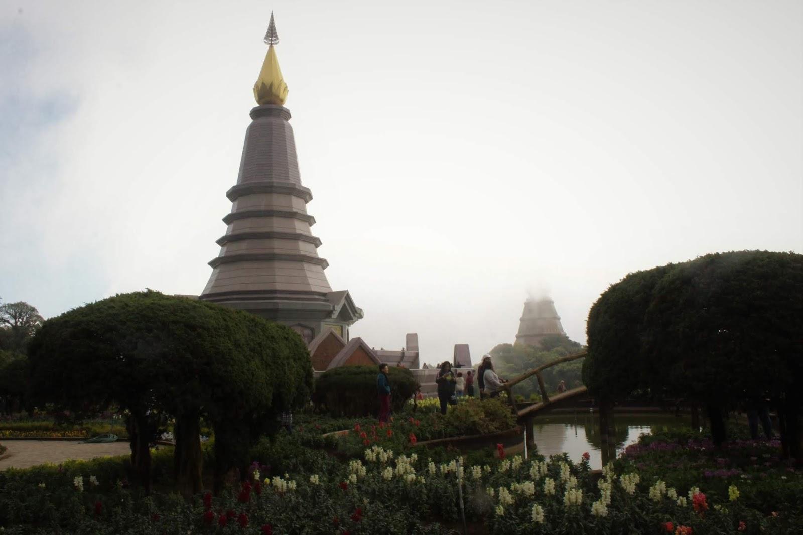 pagode doi intanon chiang mai thailandia