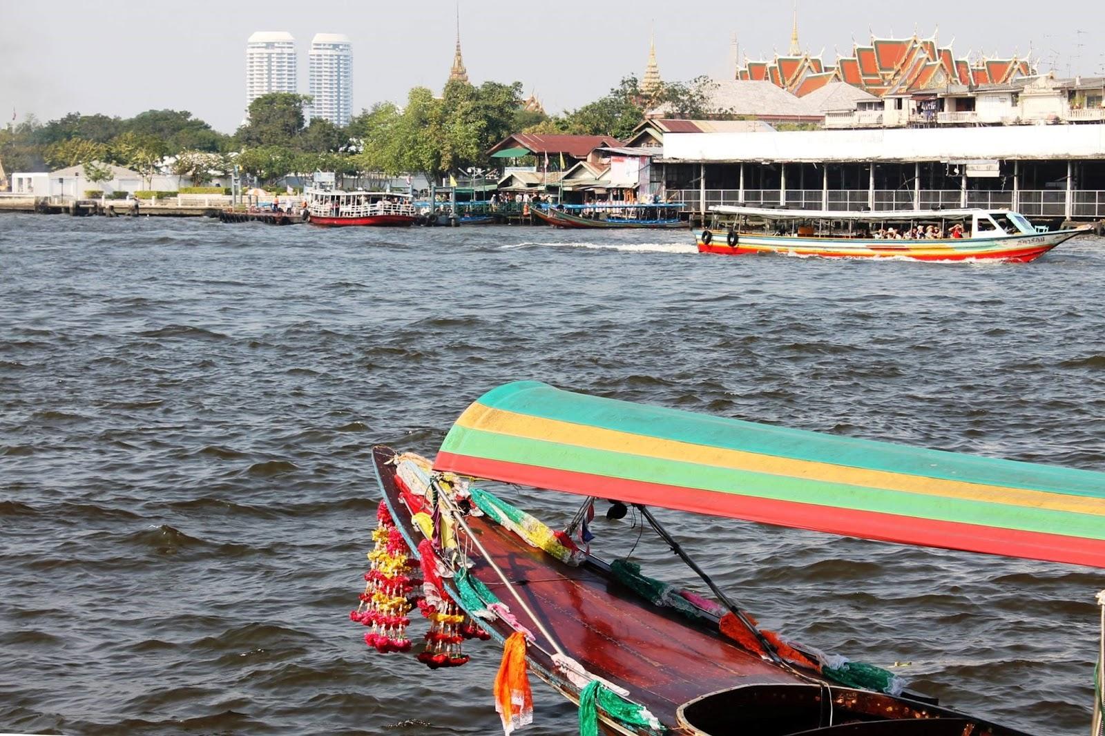 fiume chao phraya bangkok thailandia