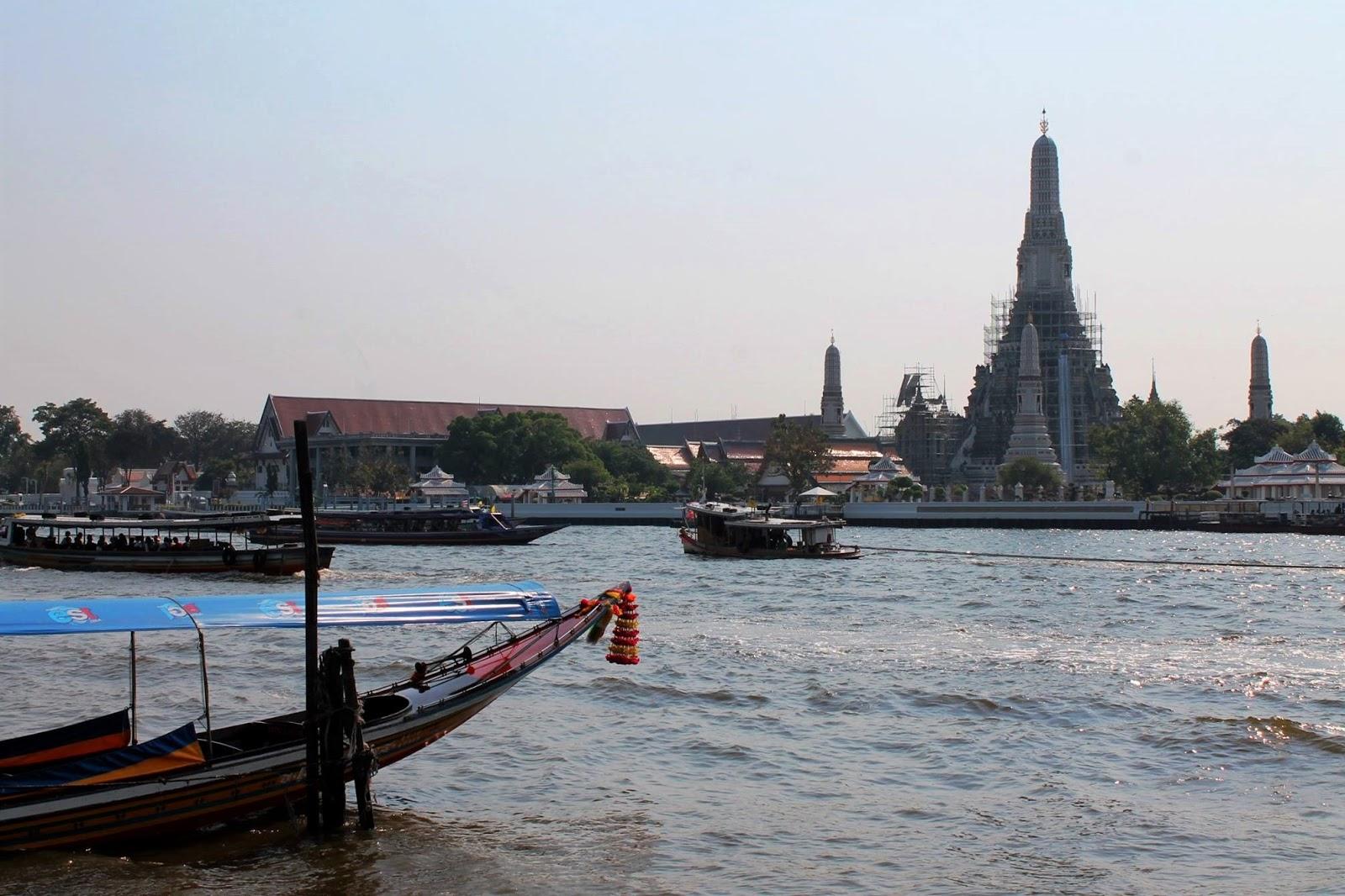 wat arun bangkok thailandia