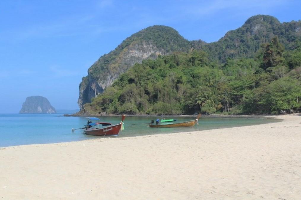 charlie beach ko muk thailandia