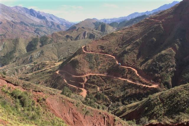 sentiero cratere di maragua bolivia