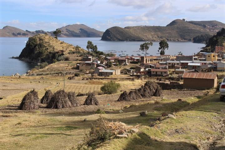 trekking yampupata titicaca bolivia