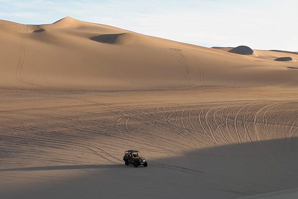 buggy e sandboarding a Huacachina
