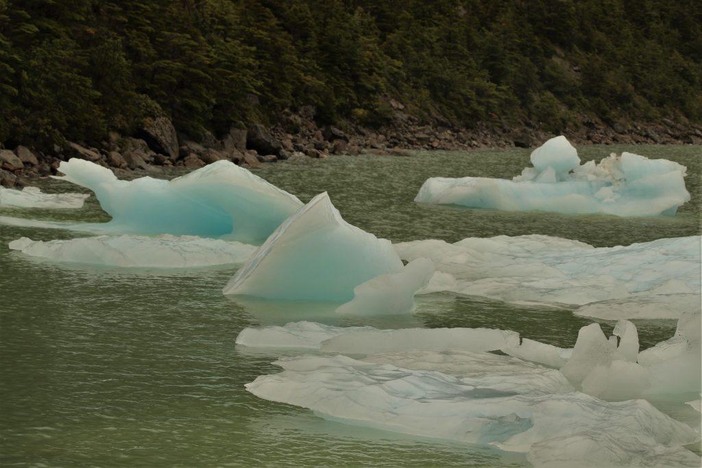 Iceberg ghiacciaio Serrano nel Fiordo di Ultima Speranza, Cile